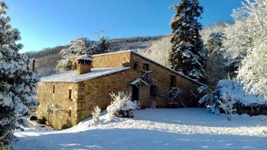 Snowed on Fontdellops rural house